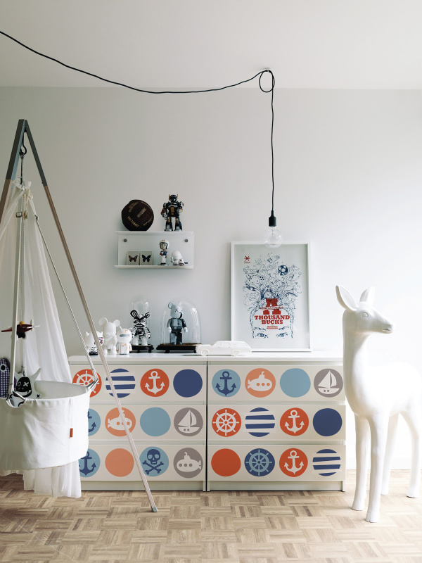 Nautische_Motive_auf_Ikea_Malm_Kommode
