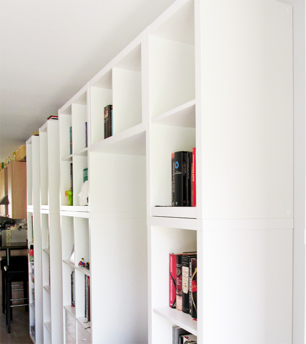 Ikea_Kallax_Regalwand_in_weiss