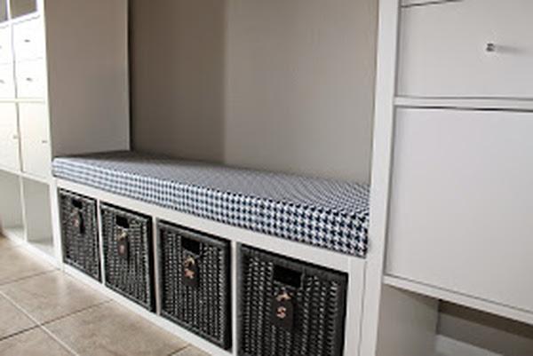 Eingebaute_Sitzbank_aus_Ikea_Expedit_Regal