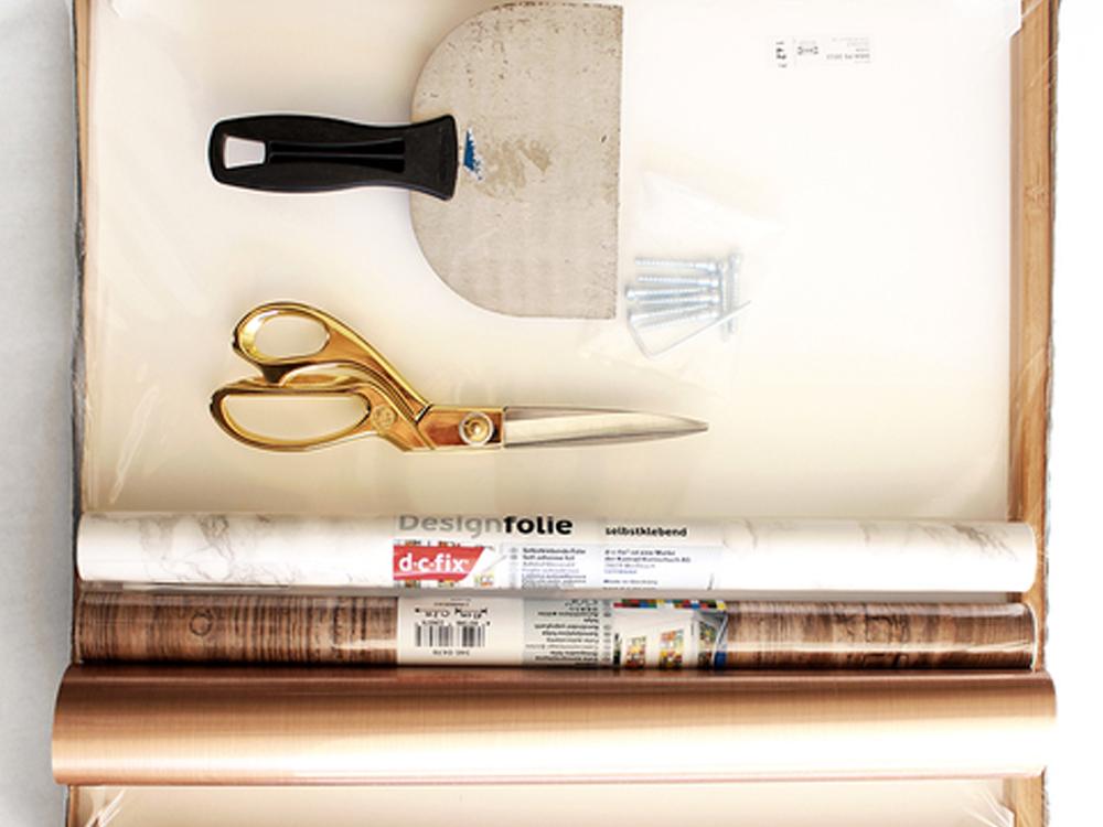 Bastelutensilien-Material-f-r-DIY-Beistelltisch