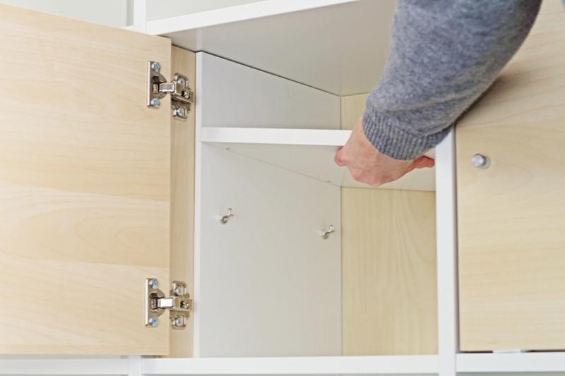 Tür montieren  Ikea Kallax Tür mit Extrafach ausstatten | New Swedish Design