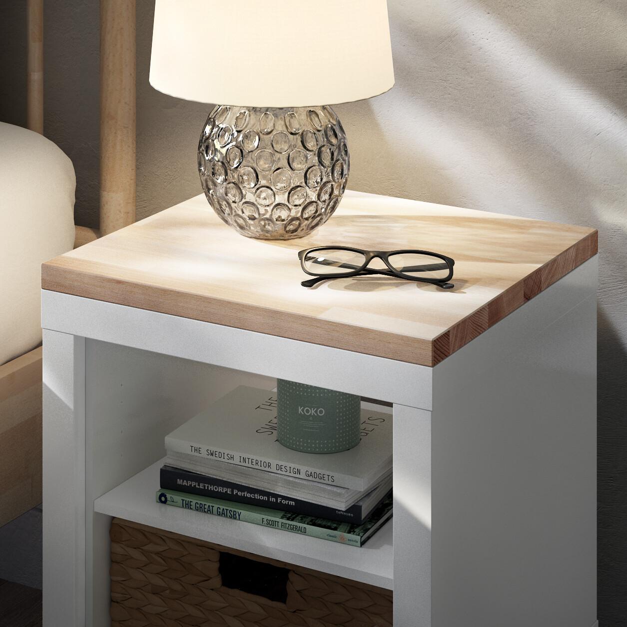 Kallax-Regal-als-Nachttisch-mit-Kallax-Holzplatte