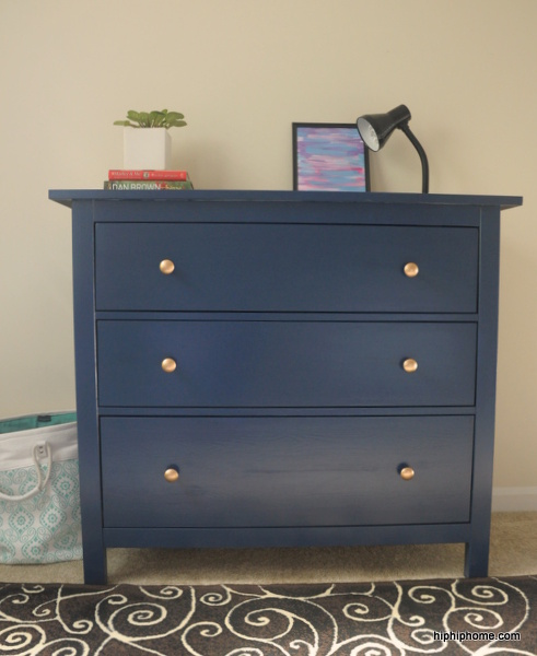 Hemnes_Kommode_in_marineblau