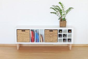Diese Möbelfüße motzen dein Kallax Regal so richtig auf