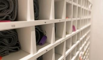 Expedit Regaleinsatz für Handtücher im Einsatz bei der Physiotherapie Heuwieser