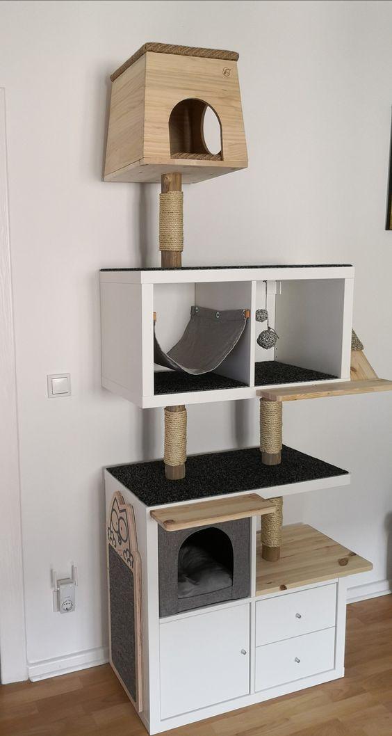 Verschiedene-Kallax-Regale-Ikea-Kratzbaum-Hack-Katze