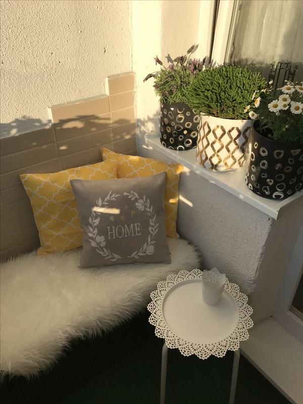Ikea_Marius_Hocker_auf_Balkon