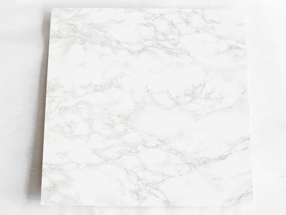 Dekor-Klebefolie-auf-Tischplatte-von-Ikea-Beistelltisch-PS-2012