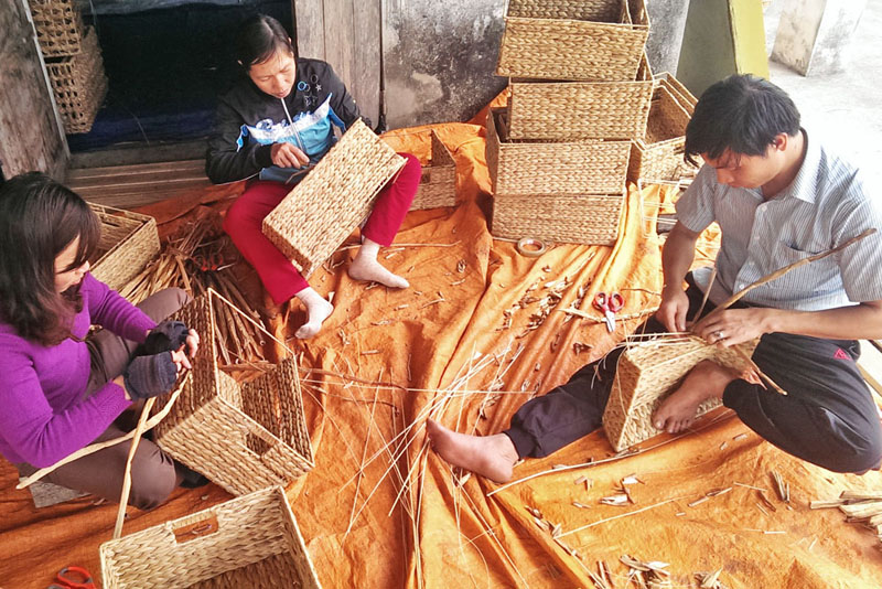 Regalkorb_Produktion_in_Vietnam