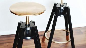 Stylische Barhocker mit goldenem Touch - IKEA Pimp für exklusive Partys