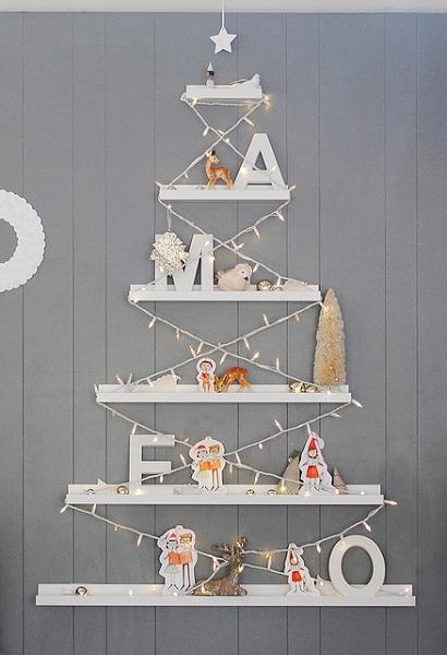 Weihnachtsbaum_aus_Ikea_Wandregal