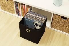Ikea Kallax Faltbox mit Schallplatten
