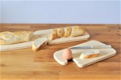 Frühstücksbrettchen mit dem Haken zum Einhaken und Eihalten
