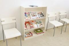 Zeitschriften Regal für Billy im Wartezimmer